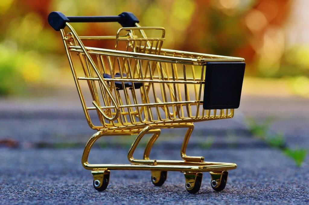 10 вещей, которые никогда не стоит покупать в магазине