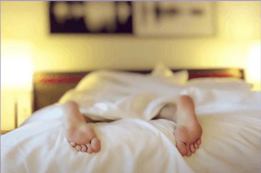 8 вещей, которые стоит убрать из своей спальни