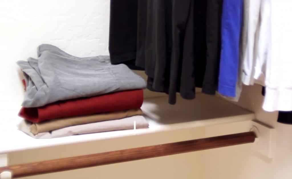 Как иметь меньше одежды